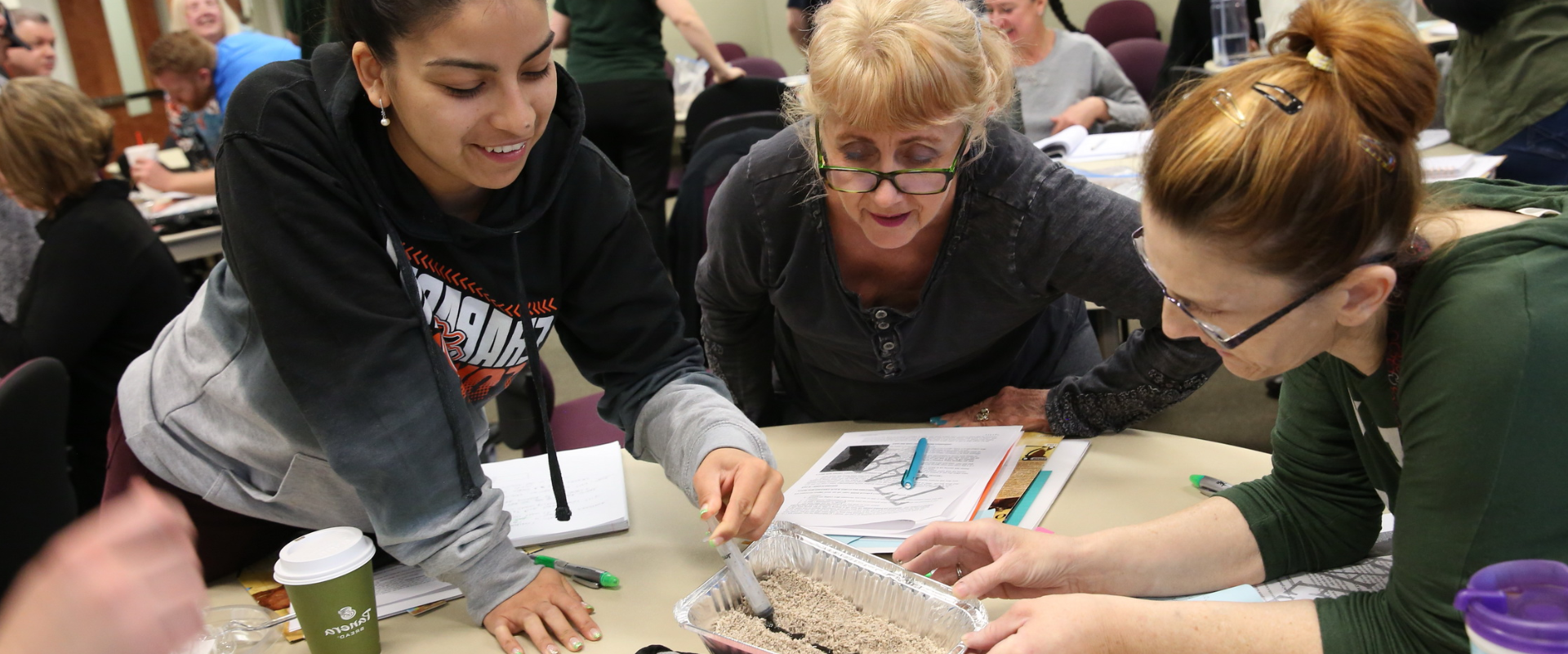 Teachers in a BioInteractive workshop