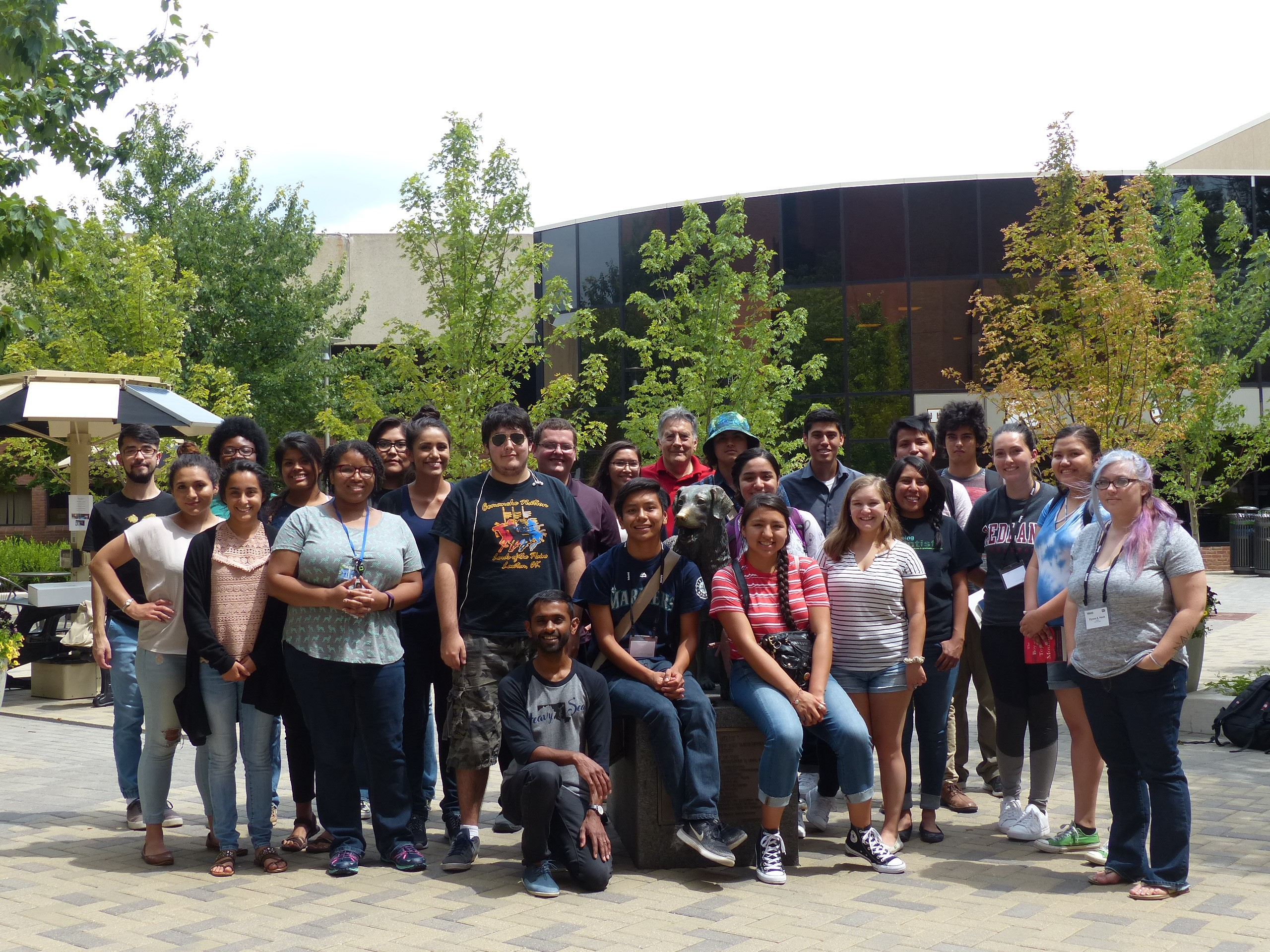 In July, twenty-one high school and college students from across the country completed a three-day phage-hunting workshop hosted by HHMI's Science Education Alliance.